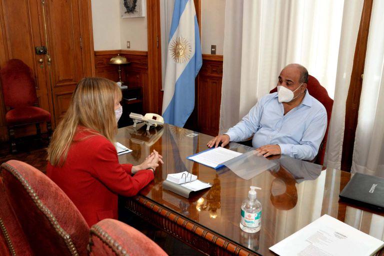 Juan Manzur junto a la futura Secretaria de Acceso a la Salud de la Nación, la Dra. Sandra Tirado