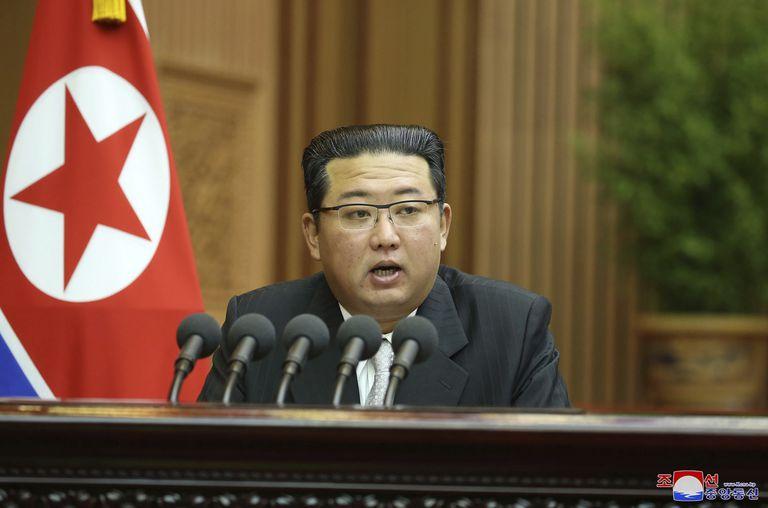 """""""Todo el dinero que hay en Corea del Norte pertenece al líder"""", asegura Kim Kuk-song"""