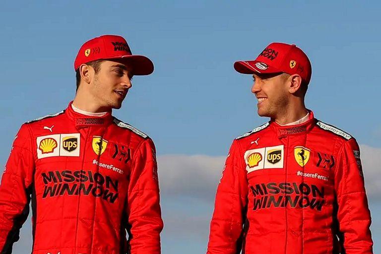 La increíble postal de Leclerc y Vettel jugando al fútbol antes de una carrera