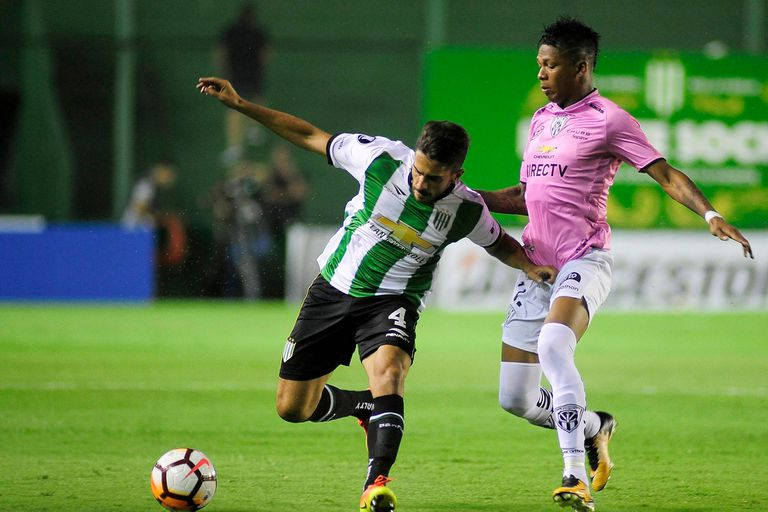 Banfield-Independiente del Valle: un empate que le amargó la noche al Taladro