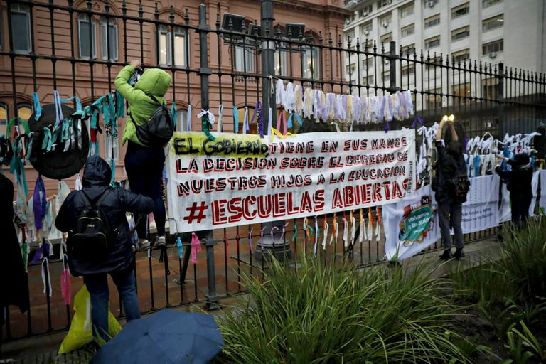 """""""Con mis hijos, no"""": un mensaje de las urnas que el poder no interpretó"""