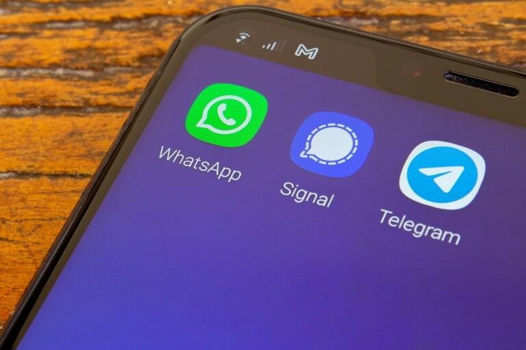 Una actualización en los términos y condiciones de uso de WhatsApp provocó una descarga masiva de apps de mensajería como Telegram y Signal