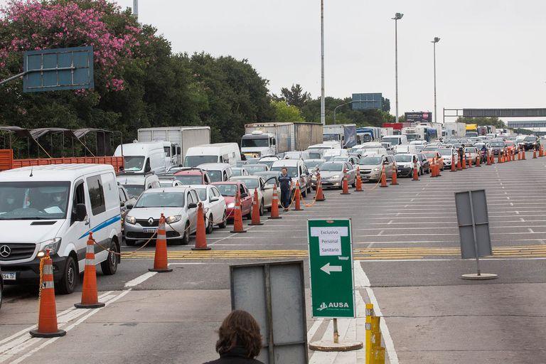 Control policial autopista 25 de mayo mano a Capital
