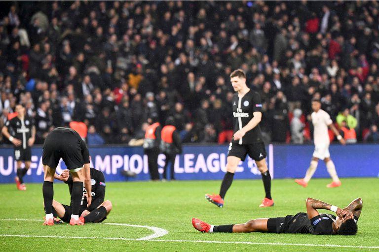 Jugadores del PSG derrumbados por la increíble eliminación