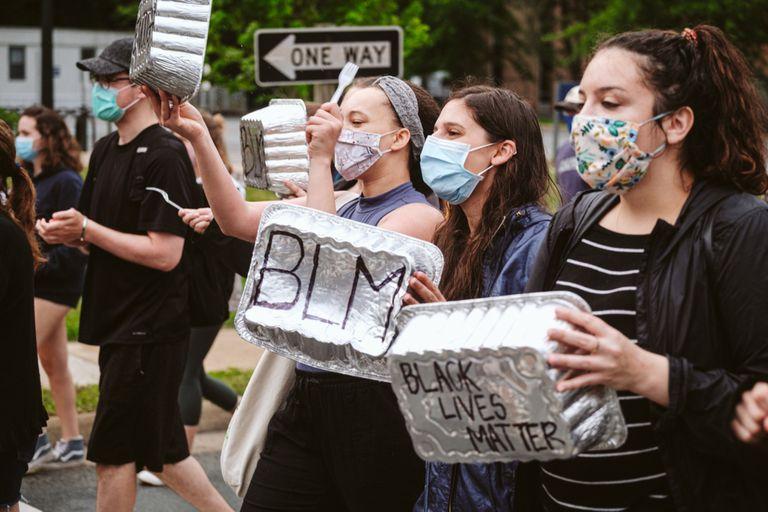 """Las protestas por la muerte de George Floyd abrieron un interrogante en las manifestaciones: """"¿Y si la policía desapareciera?"""""""