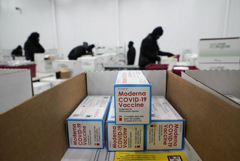 EE.UU. aprueba dos medidas claves para acelerar la campaña de vacunación de refuerzo