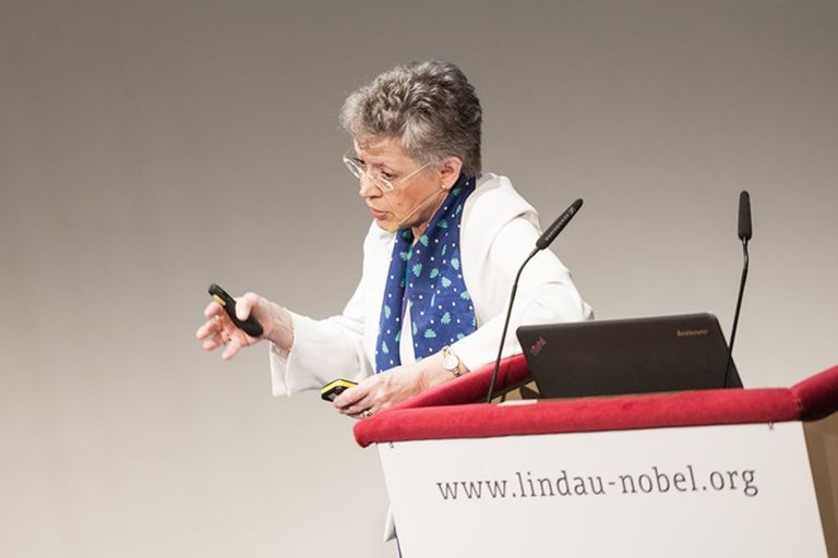 Françoise Barré-Sinoussi participa del Encuentro de Premios Nobel de Lindau