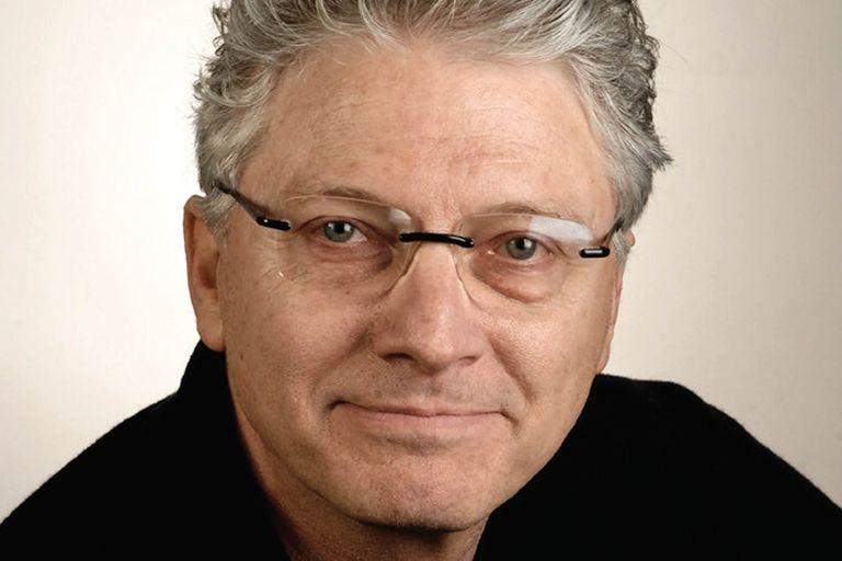 Escritor de ficción, dramaturgo y sobreviviente del huracán Katrina, experiencia que plasmó en el New York Times.
