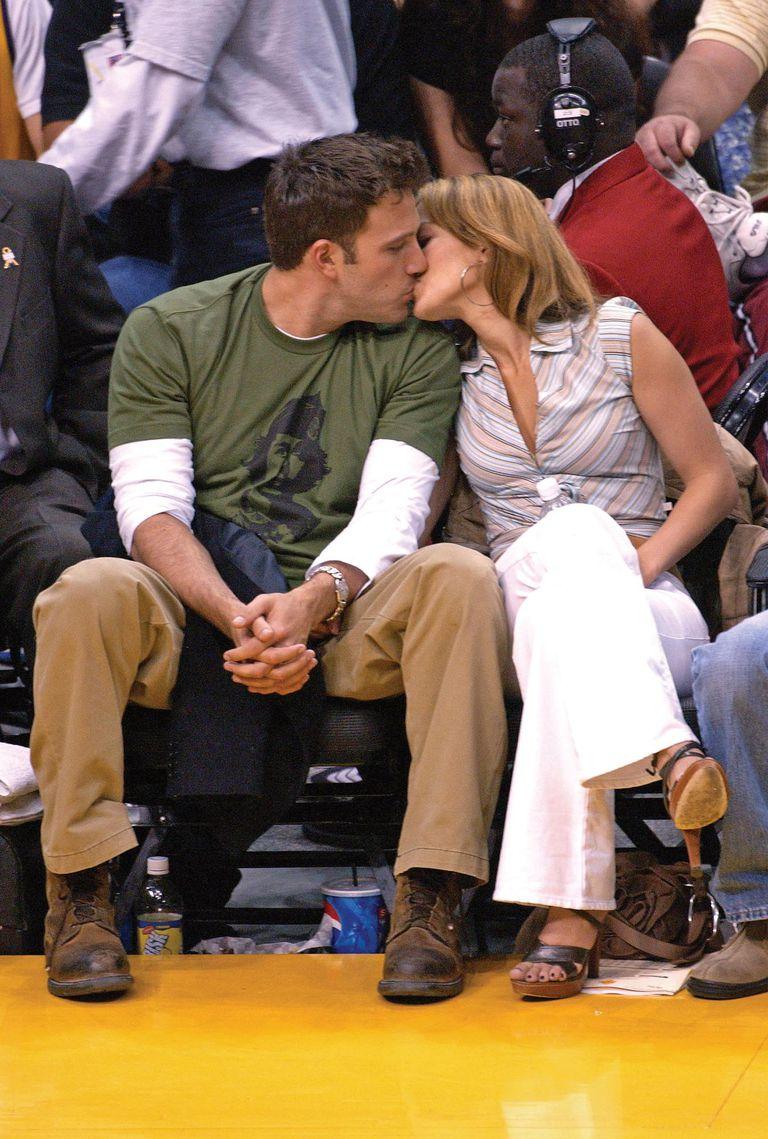 La pareja en un partido entre Los Angeles Lakers y San Antonio Spurs en 2003, donde Ben ya lucía el reloj.
