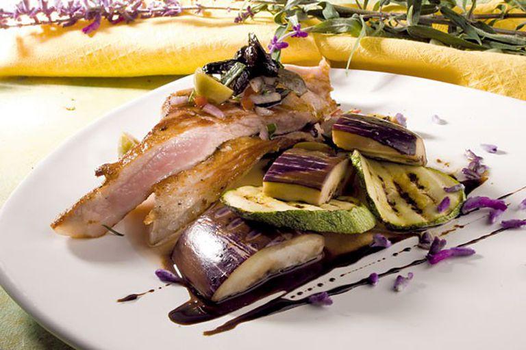 Matambrito grill con chimi de olivas