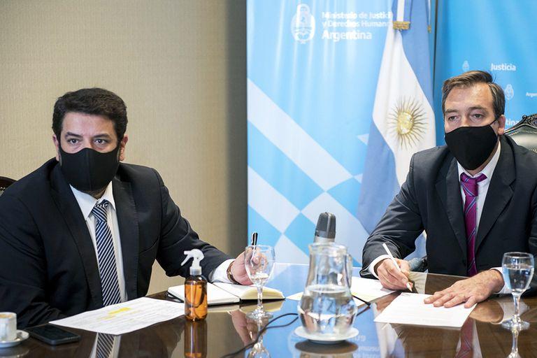 El Gobierno relativiza la prórroga del material bélico en Bolivia y acusa a Macri