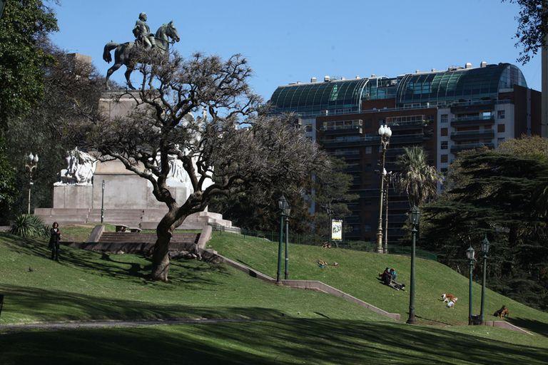 Una de las ventajas de La Isla es que está muy cerca de las verdes barrancas que dan a Av. Del Libertador
