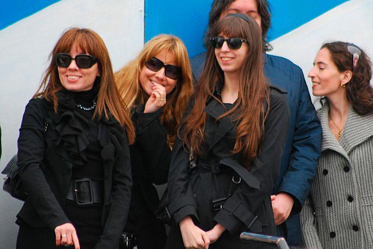 Natalia Mercado (segunda de izq. a der.), la sobrina de la entonces presidenta Cristina Kirchner.