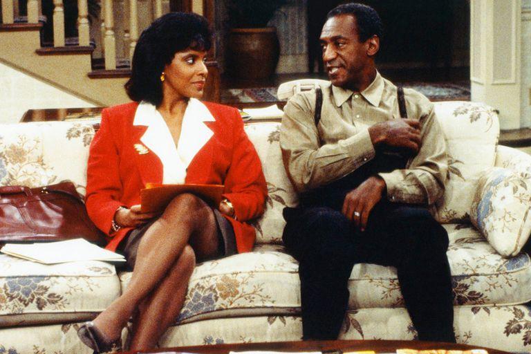 Phylicia Rashad, quien interpretaba a la mujer de Cosby en la serie, prefirió esquivar el tema