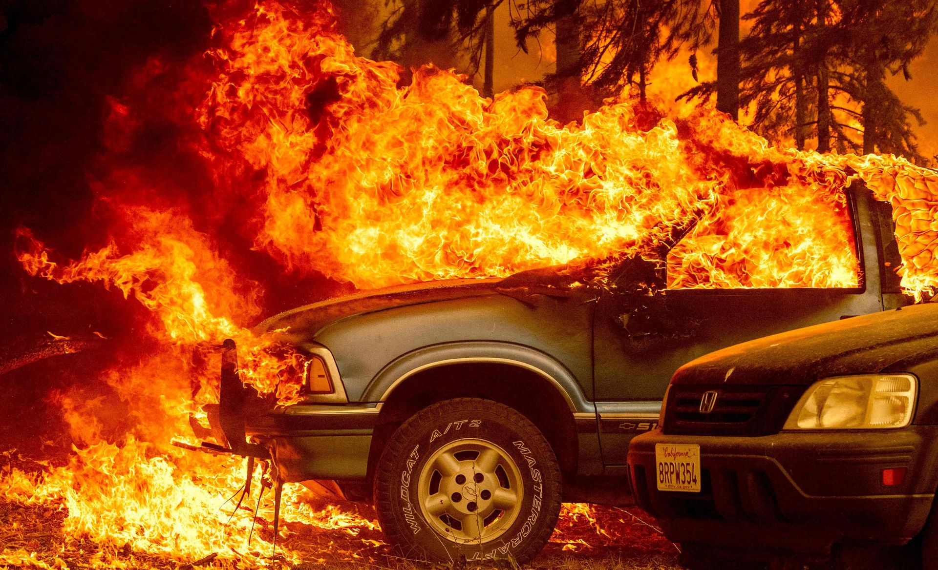 El incendio de Dixie ya es el sexto más grande en la historia del estado de California y aún se propaga gracias a los fuertes vientos y la sequedad del ambiente