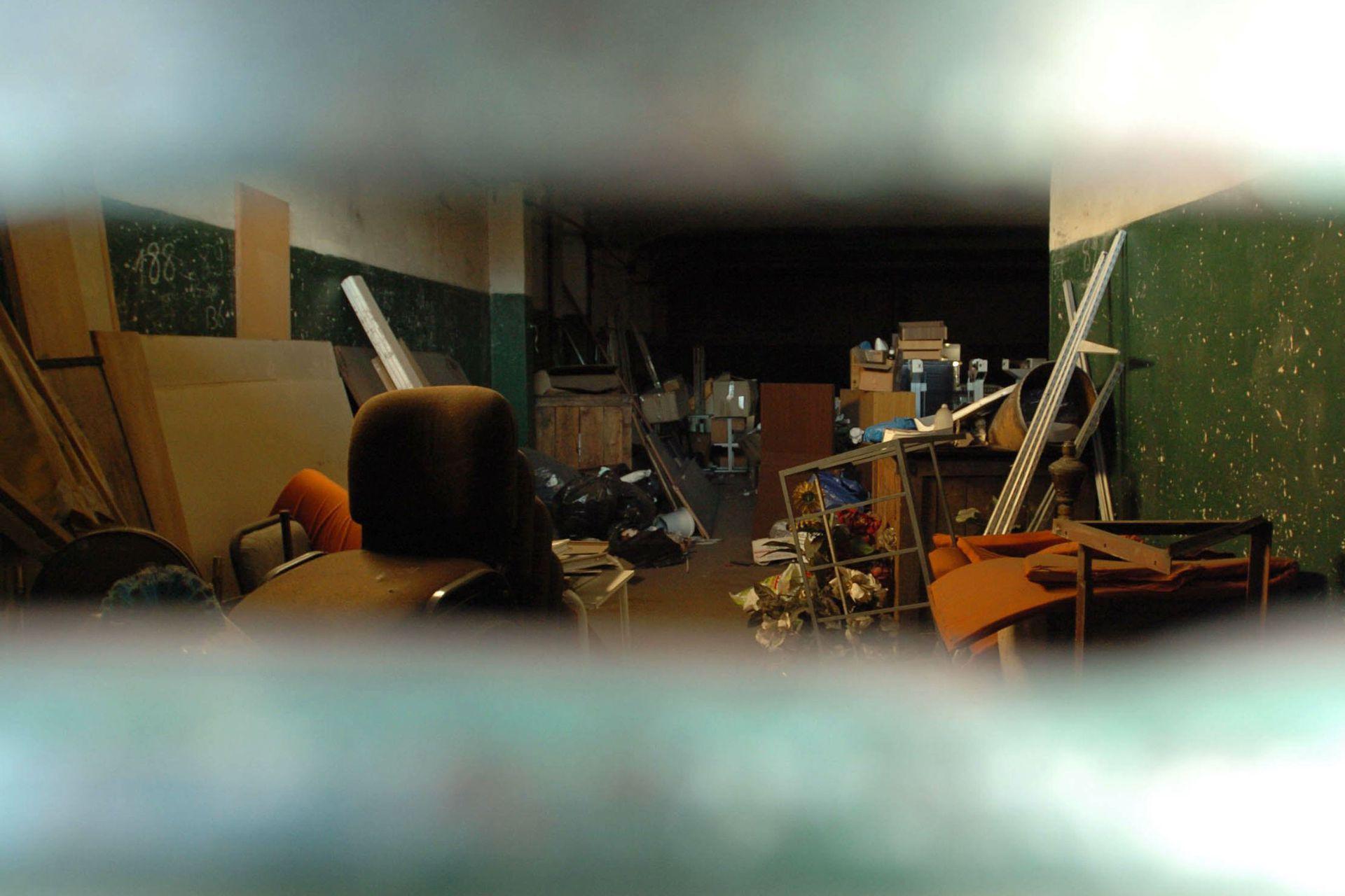 Los investigadores descubrieron en 2004 un depósito en Ciudadalea, en el que supuestamente Rímolo guardaba medicamentos y documentos de su clínica