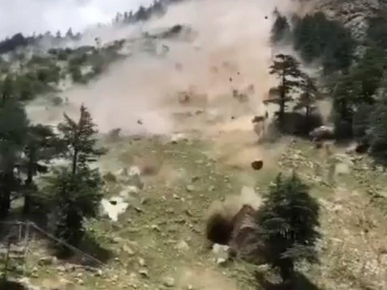 Una avalancha de piedras dejó nueve muertos y varios heridos en la India