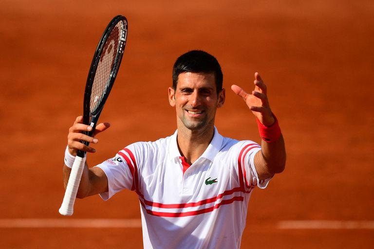La satisfacción de Novak Djokovic; el número 1 del mundo sólo cedió nueve games contra el uruguayo Pablo Cuevas