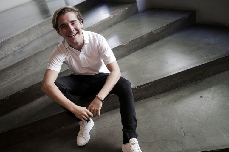 Nicolás Cúcaro: ¿Quién es el chico revelación del teatro musical vernáculo?