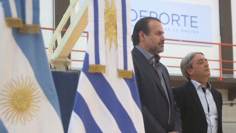 Federico Susbielles, presidente de la Confederación Argentina de básquetbol, y Fernando Cáceres, secretario de Deporte de Uruguay