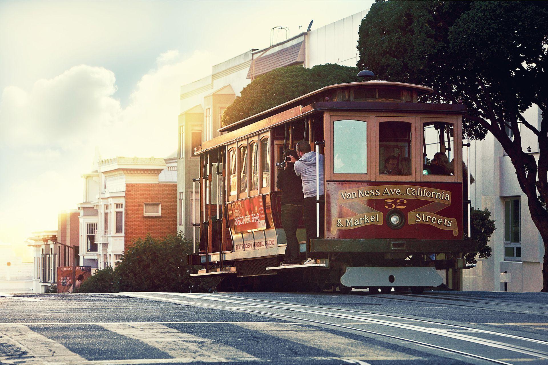 El cable-car, el medio de transporte que es un emblema de la ciudad.