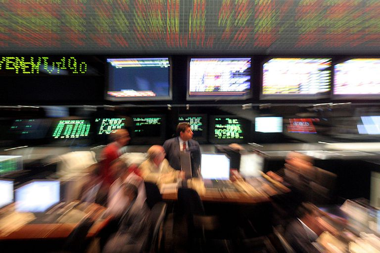 Los mercados reaccionan a la suba del riesgo país