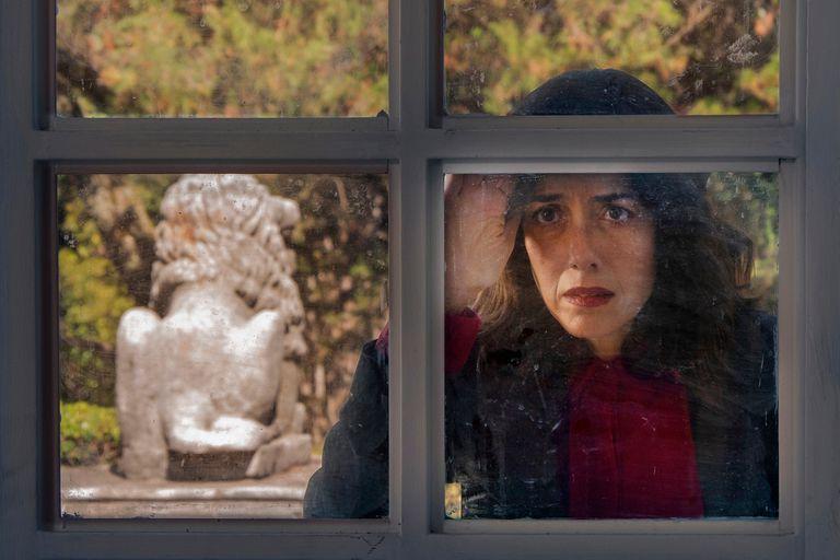 Celia Suarez, la hija de la gran madraza muerta que se ha convertido en uno de los ejes de esta serie