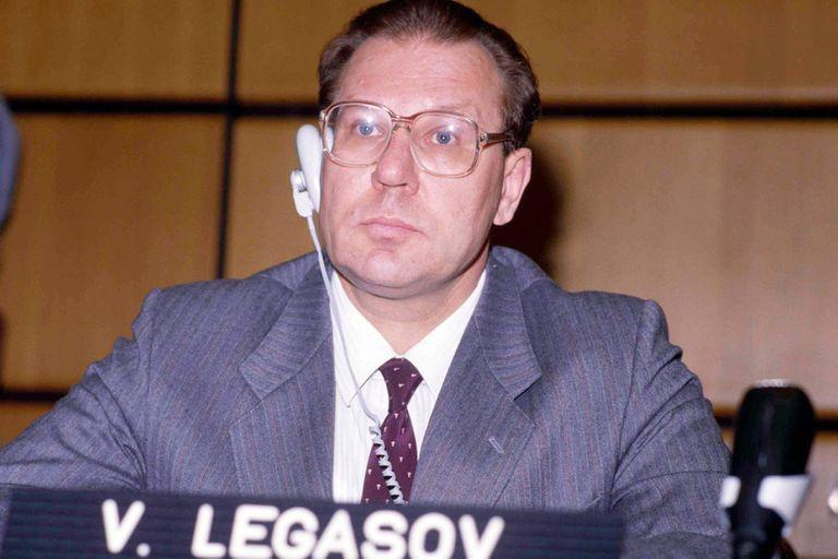 El Legasov real, en Ginebra, en 1986