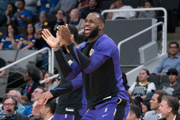 LeBron James firmó un acuerdo con los Lakers: recién en la temporada 2021/22 llegará a los 40.000.000 dólares de salario