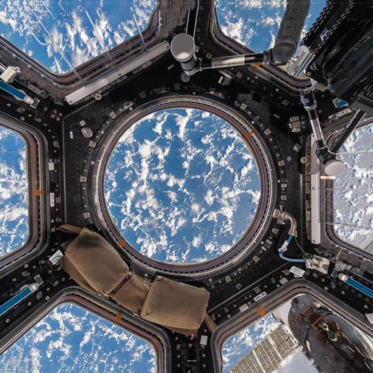 Las nubes sobre uno de los ocános de la Tierra, en una vista desde la cúpula de la ISS