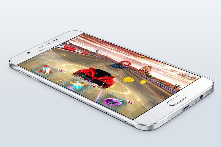 El Galaxy A8 se destaca por su carcasa metálica y un diseño delgado de tan sólo 5,9 milímetros de espesor