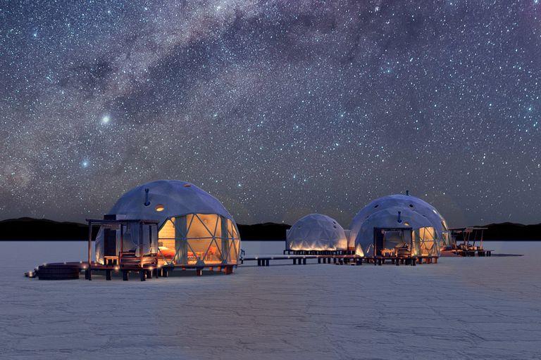 Como de otro planeta: Pristine Camps, en Salinas Grandes, Jujuy, con cuatro domos geodésicos de lujo, un domo como restaurante y energías renovables, se inaugurará el 1º de noviembre