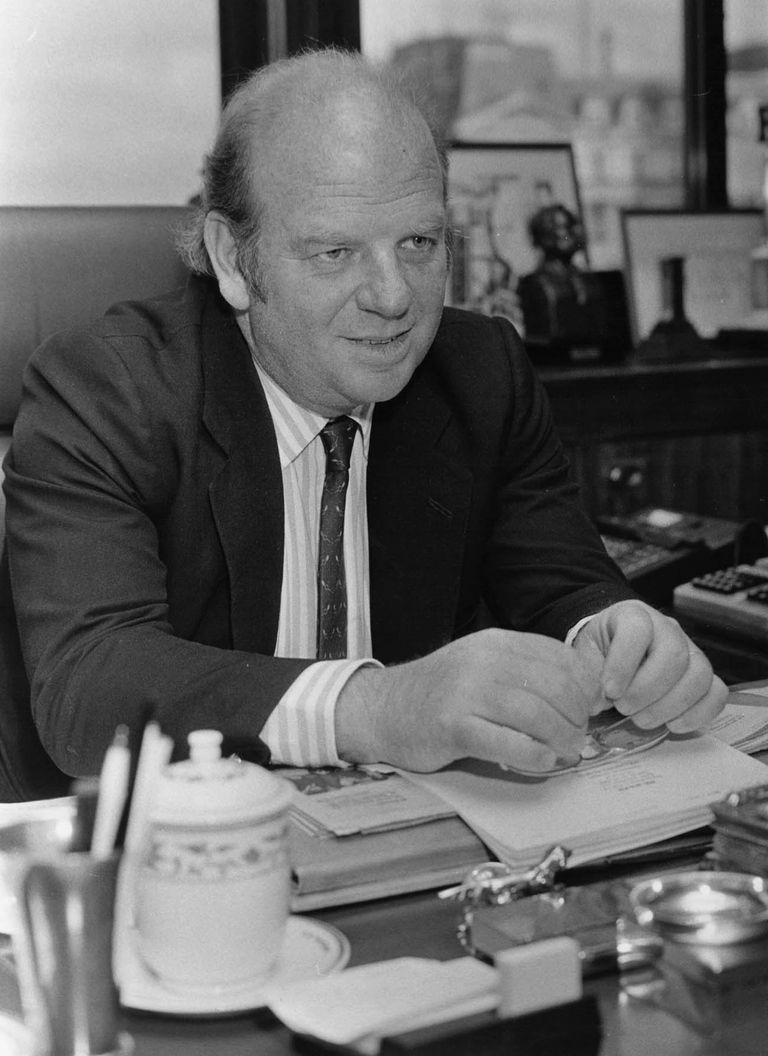 Bartolomé Mitre en su despacho de la redacción de LA NACION en la calle Bouchard (1997)