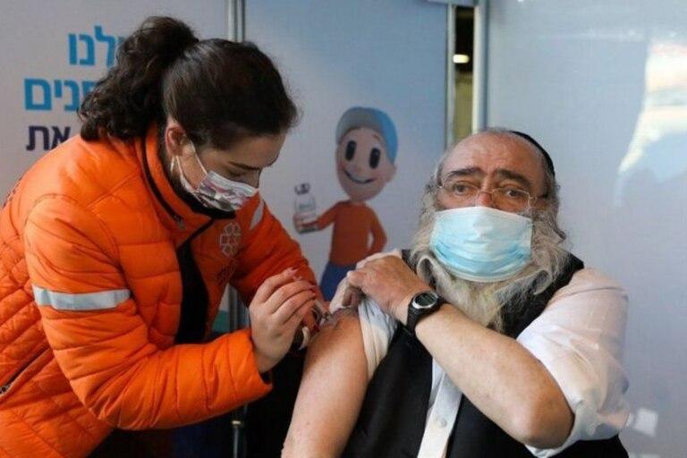 El primer ministro quiere detener los vuelos incluso para las personas vacunadas