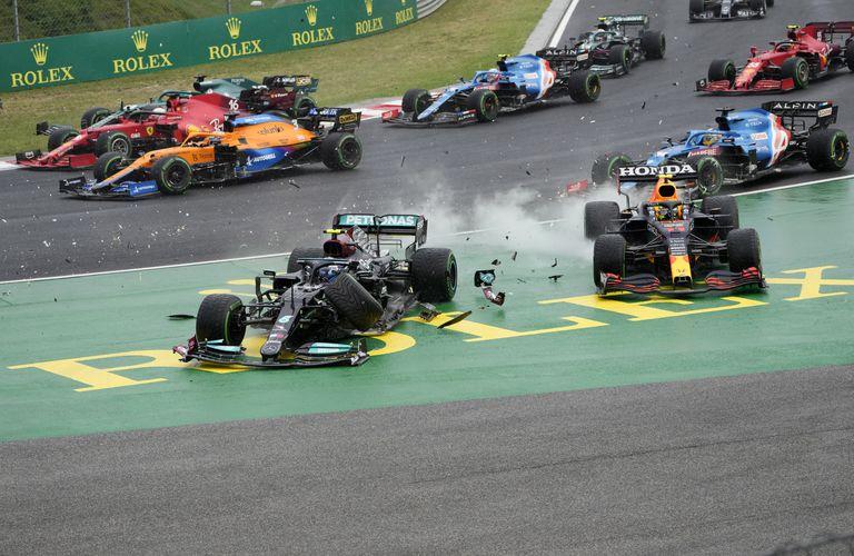 """Un """"strike"""" de Valtteri Bottas en la largada del GP de Hungría que retrasó a Max Verstappen"""