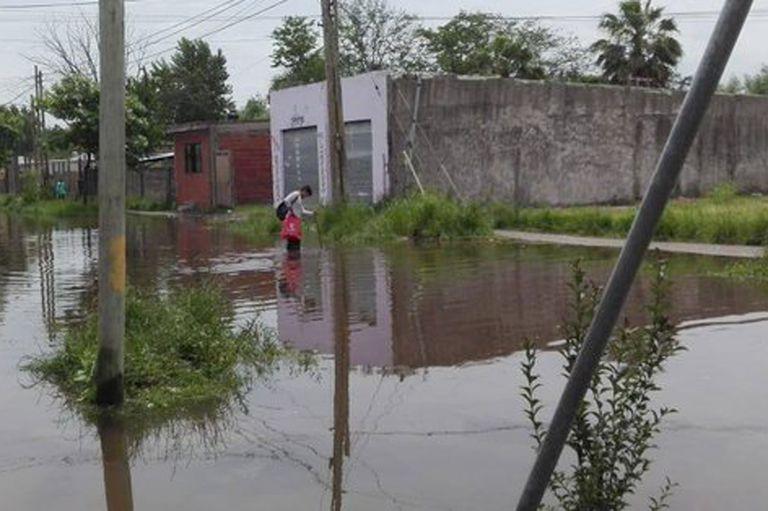 Un bebé se cayó de la cama y se ahogó en su casa inundada por el temporal