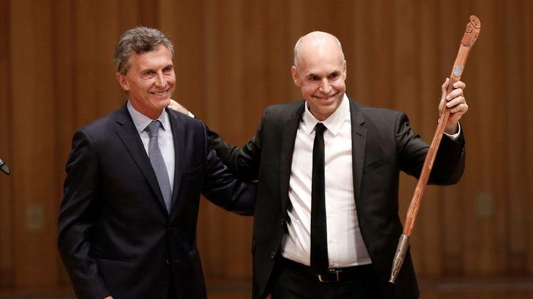Asunción de Larreta: el sucesor de Macri juró ayer en la Legislatura porteña y luego recibió el bastón de mando y tomó juramento a sus ministros en la Usina del Arte