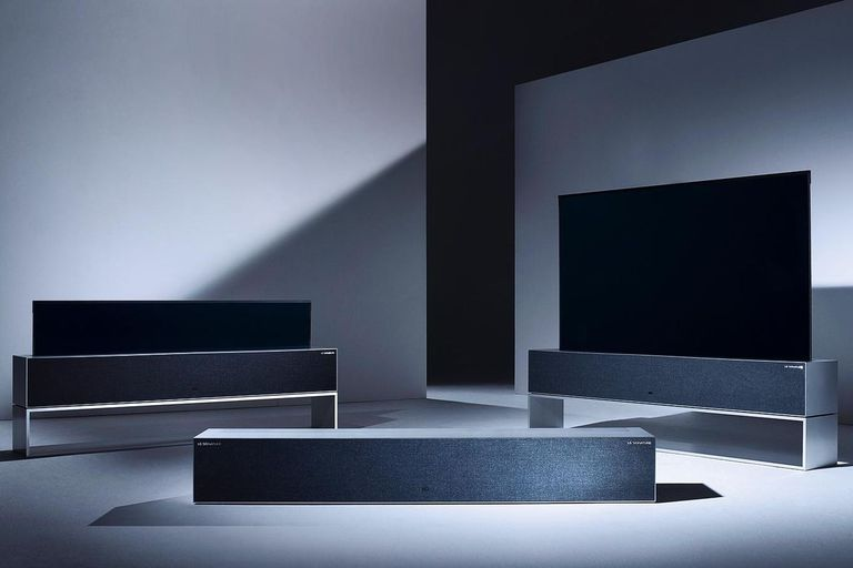El televisor que se enrolla de LG ya se vende y puede esconderse dentro de un mueble para ocupar menos espacio y ampliar la habitación