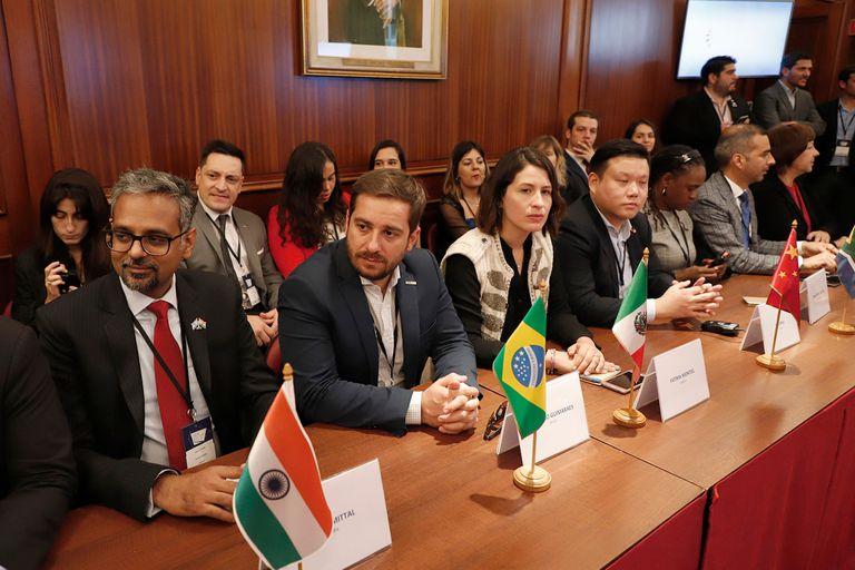 Representantes de 20 países expusieron en la cumbre de jóvenes emprendedores