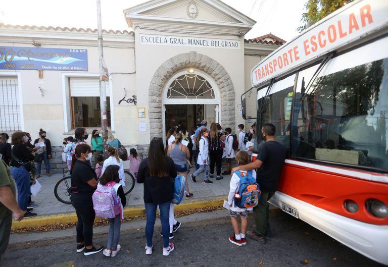 Primer día de clases en la escuela Manuel Belgrano de Mar del Plata