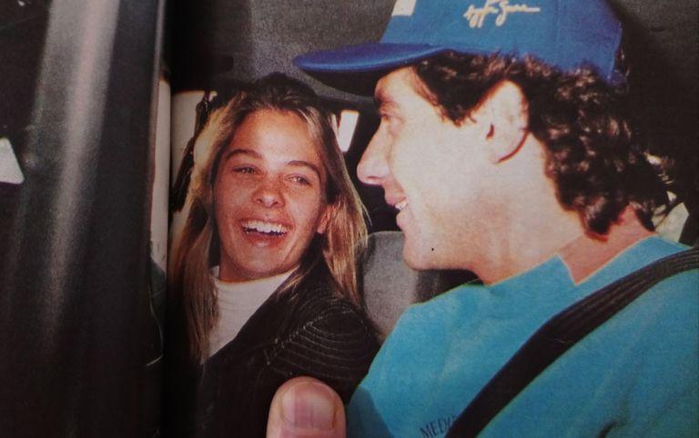 Adriane Galisteu, la novia modelo de Senna, quedó relegada en el velorio de su pareja.