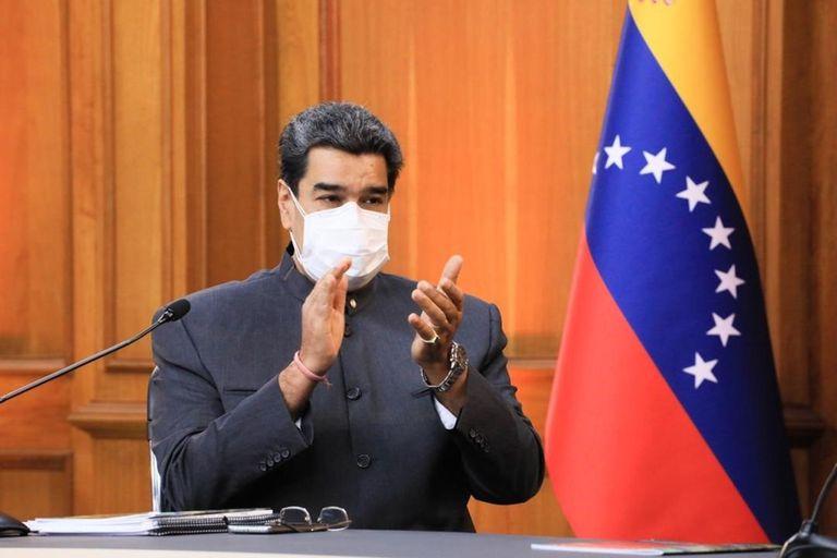 En plena crisis en Cuba, el avión presidencial de Maduro aterrizó en La Habana