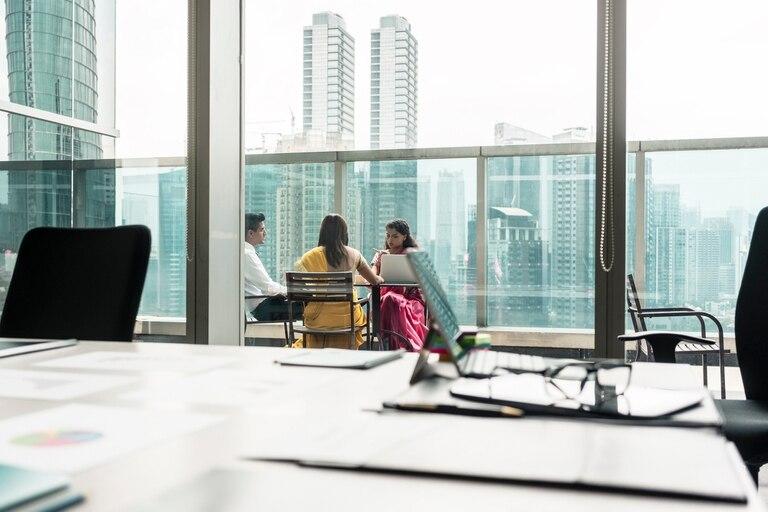 Cada vez son más las empresas que buscan plantas de hasta 100 metros cuadrados y edificios con espacios comunes compartidos