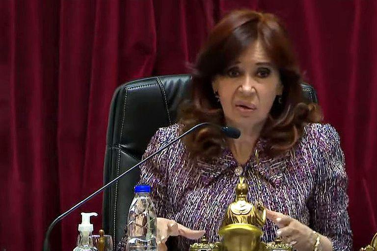 A pedido de Cristina Kirchner, la Anses aceptó que se archive un juicio y le seguirá pagando dos jubilaciones
