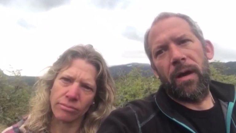 """Bariloche: una familia cercada por mapuches pide ayuda: """"Estamos secuestrados"""""""