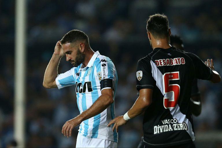 Racing-Vasco Da Gama: Lisandro López falló dos penales, pero metió el tercero