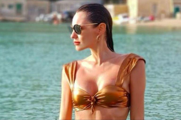 Playa y relax: las vacaciones de Pampita en Ibiza